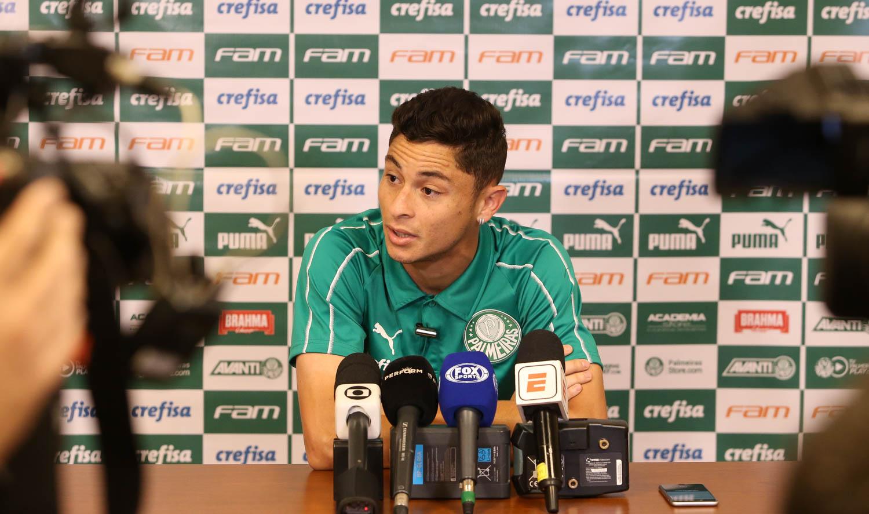 Cesar Greco/Ag. Palmeiras/Divulgação_Diogo Barbosa falou com a imprensa na manhã desta segunda-feira (01)