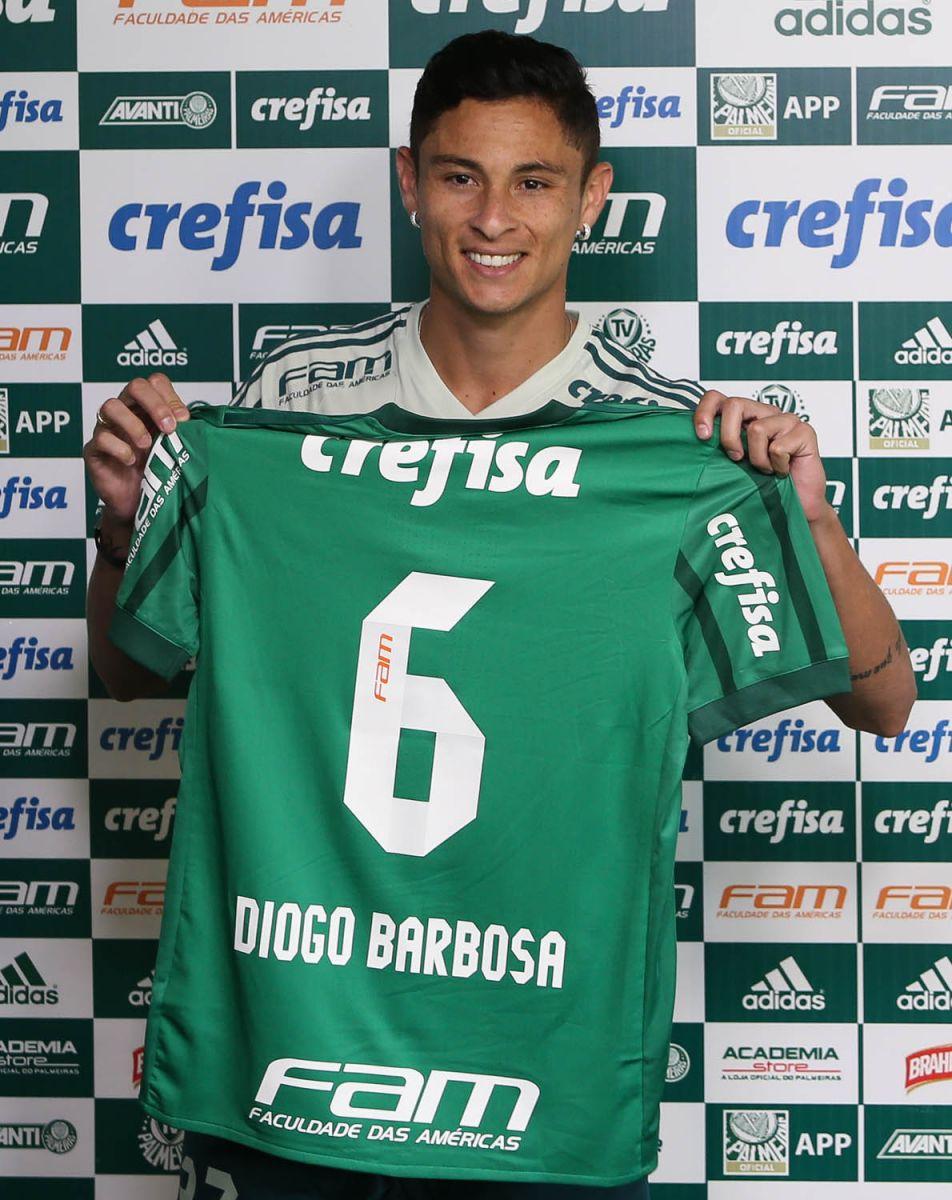 Cesar Greco/Ag. Palmeiras/Divulgação_Diogo Barbosa vestirá a camisa 6