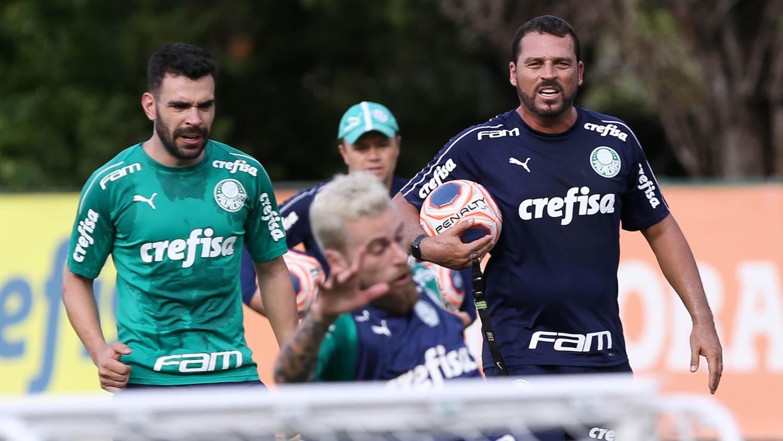 Cesar Greco/Ag. Palmeiras/Divulgação_Maurício Copertino é auxiliar técnico de Vanderlei Luxemburgo