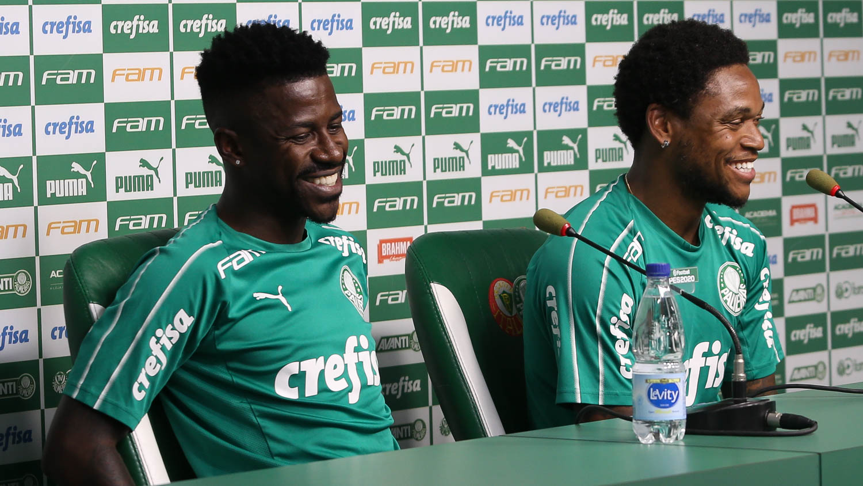 Cesar Greco/Ag. Palmeiras/Divulgação_Luiz Adriano (à direita) e Ramires concederam entrevista coletiva nesta terça-feira (07)