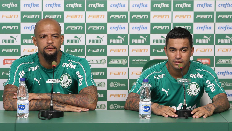 Cesar Greco/Ag. Palmeiras/Divulgação_Dudu (à direita) está perto de completar cinco anos de clube