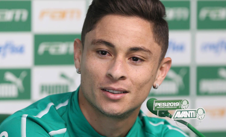 Cesar Greco/Ag. Palmeiras/Divulgação_Diogo Barbosa falou com a imprensa antes do treino desta terça-feira (09)