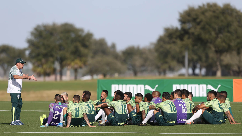 Cesar Greco/Ag. Palmeiras/Divulgação_No segundo dia de treinamentos em Orlando, a comissão de Luxemburgo comandou movimentações táticas