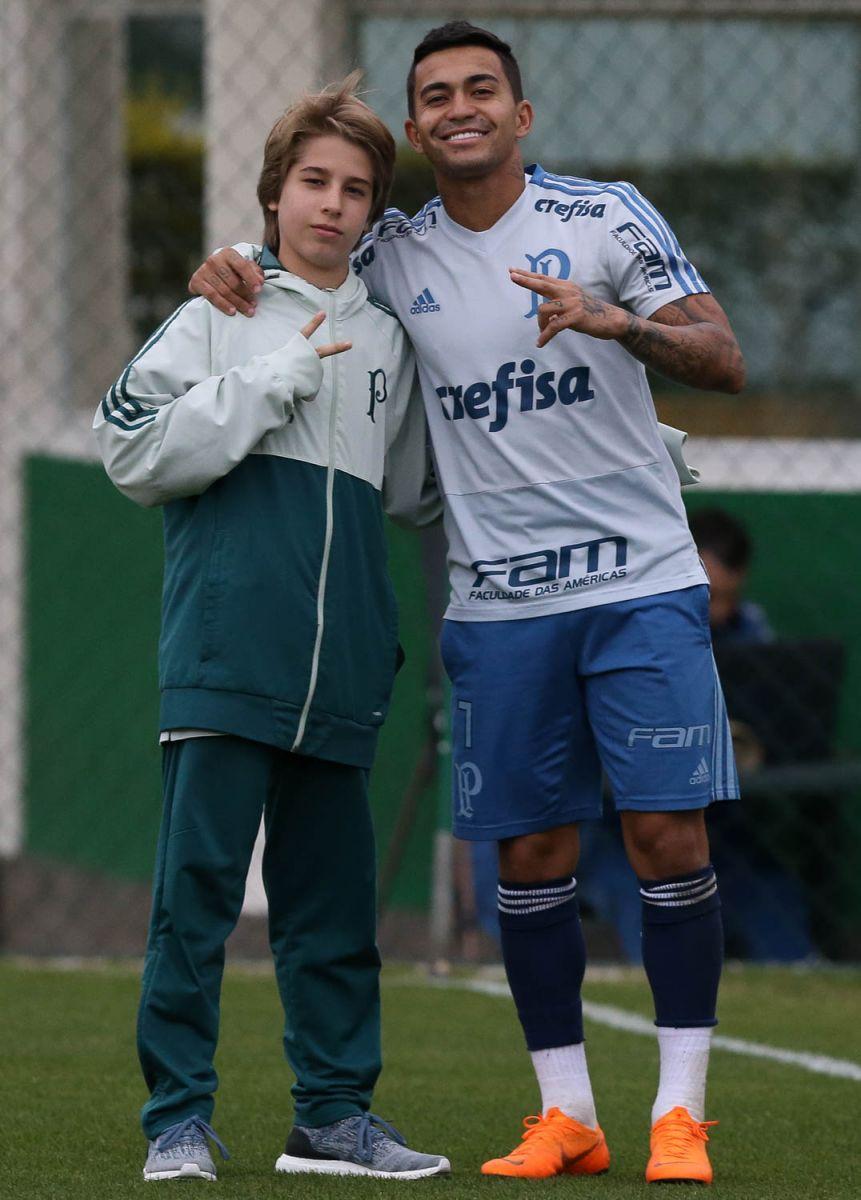 Cesar Greco/Ag Palmeiras/Divulgação_Fabinho conheceu Dudu em treino