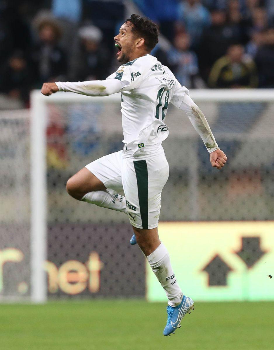 Cesar Greco/Ag Palmeiras/Divulgação_Scarpa fez o gol da vitória palmeirense