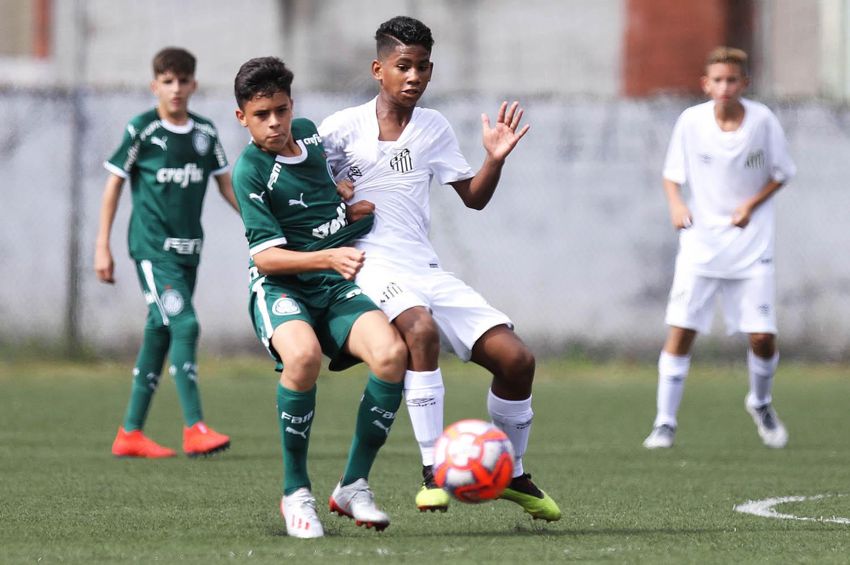 Pedro Ernesto Guerra Azevedo/Santos FC_O Sub-13 do Palmeiras empatou em 1 a 1 com o Santos, no CT Meninos da Vila