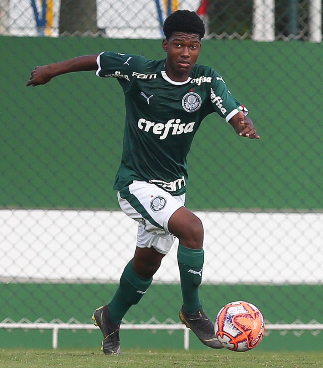 Fabio Menotti/Ag. Palmeiras/Divulgação_Robinho é atleta do Palmeiras desde a categoria Sub-11