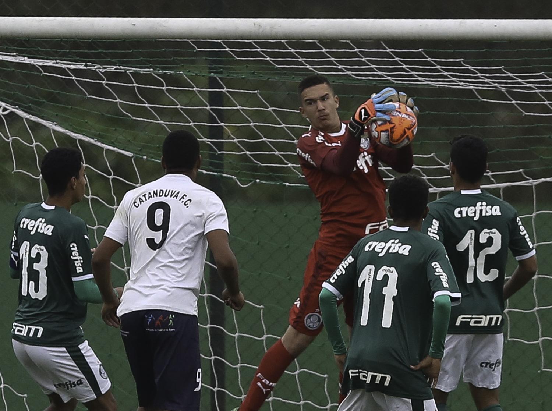 Fabio Menotti/Ag. Palmeiras/Divulgação_O Sub-15 do Palmeiras recebe o Grêmio São-Carlense na Academia de Futebol 2