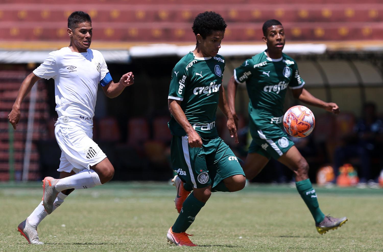 Fabio Menotti/Ag. Palmeiras/Divulgação_ O Sub-17 alviverde joga fora de casa, no estádio José Liberatti, em Osasco-SP, contra o Audax