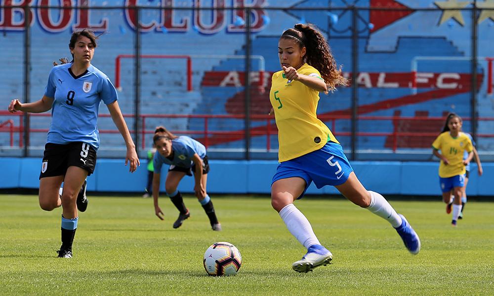 CBF_Angelina foi contratada para reforçar o elenco do Palmeiras em 2020