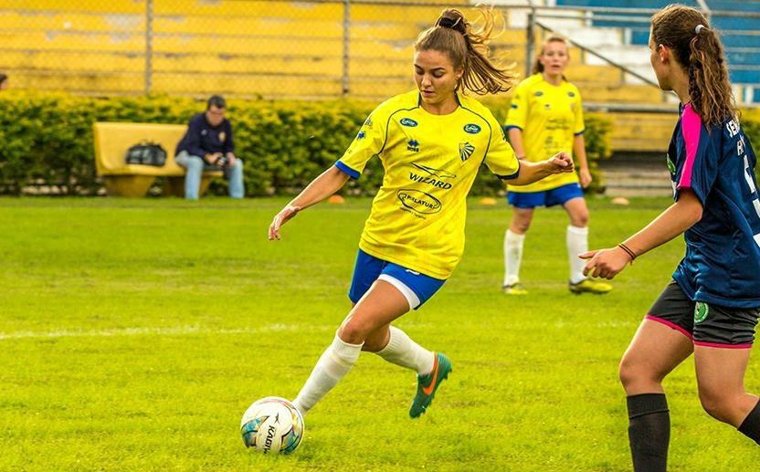 Divulgação _ Em 2016. Tefy se sagrou campeã gaúcha de futebol pelo EC Pelotas