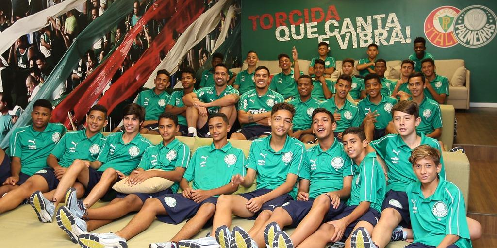 Fabio Menotti/Ag. Palmeiras/Divulgação_Luan e Gustavo Gómez falaram sobre suas carreiras e responderam perguntas dos meninos da base