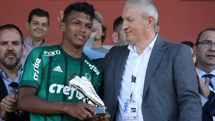 Gonzalo Corbí_Gabriel Veron foi eleito o melhor jogador do Mundial Sub-17 deste ano; de quebra, ficou com a artilharia do torneio