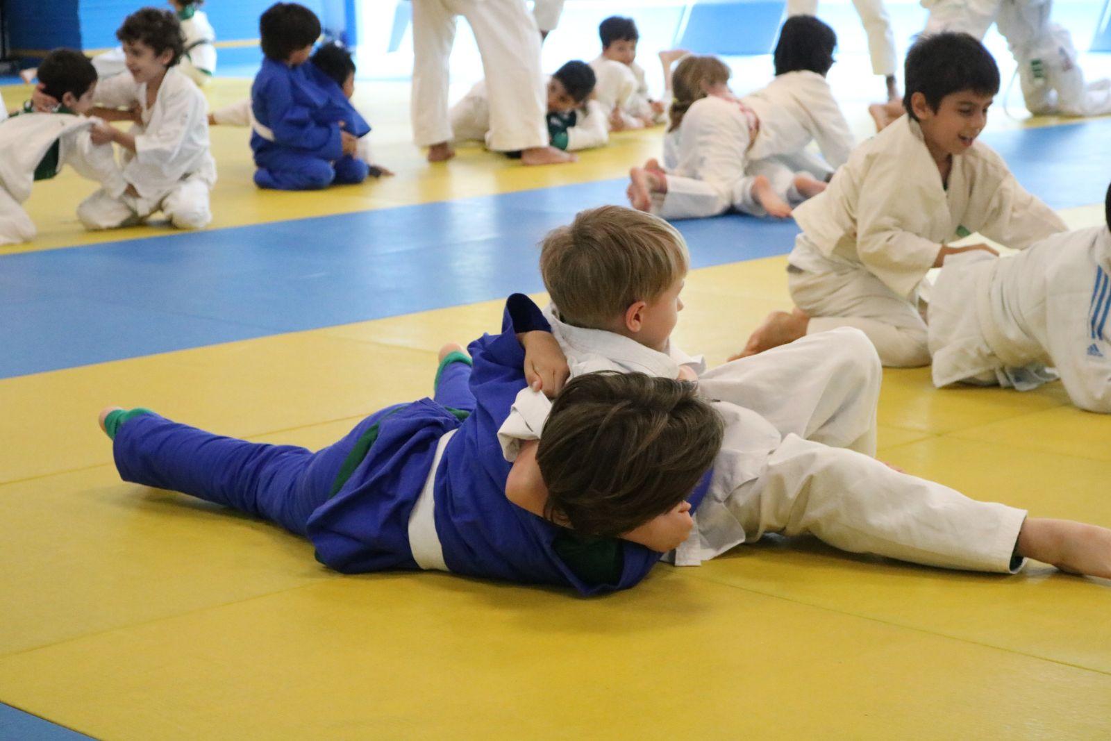 Divulgação_No primeiro dia da Olimpíada, os pequenos associados participaram de demonstrações e competições de judô