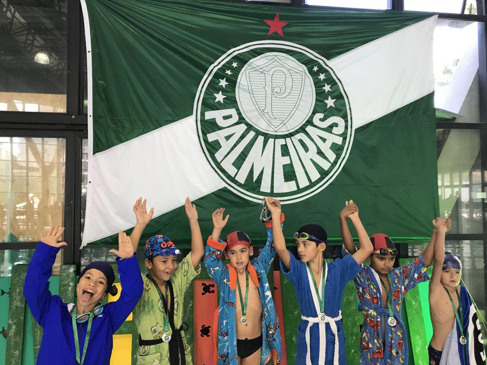 Divulgação_As crianças foram premiadas com medalhas e um kit