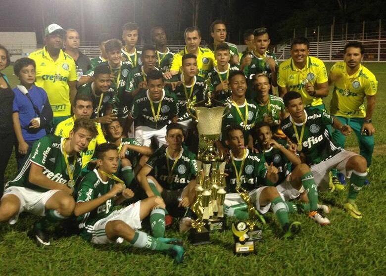 Divulgação_Campeão em 2017, o Sub-14 do Verdão busca a quarta taça de sua história na competição