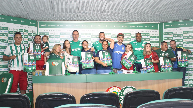 Divulgação_Os participantes puderam tirar fotos e colher autógrafos dos três goleiros do Palmeiras