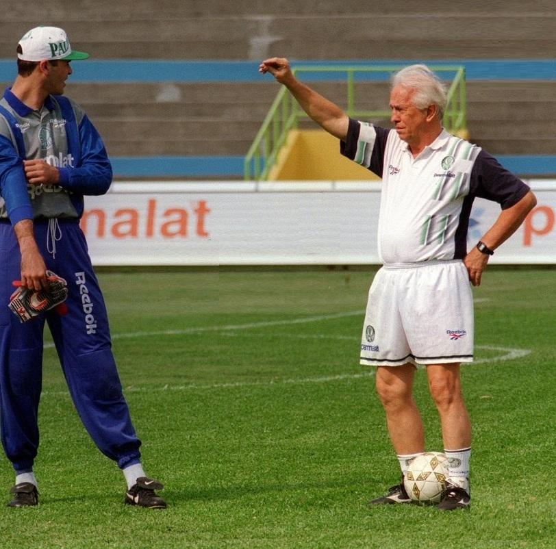 Divulgação_Após encerrar a carreira, Valdir de Morais foi treinador de goleiros e ensinou os principais arqueiros de gerações posteriores à sua, como por exemplo o Marcos (foto)
