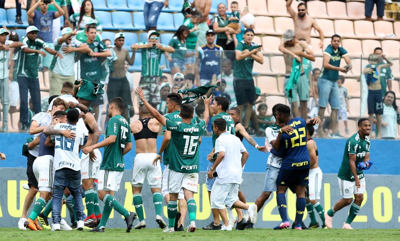 Fabio Menotti/Ag. Palmeiras/Divulgação_O Sub-20 do Palmeiras fez a festa com a torcida na Arena Barueri