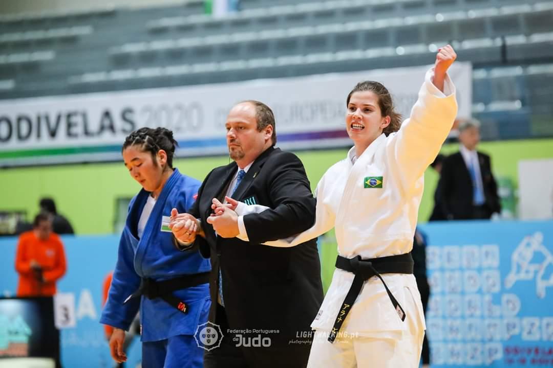 Federação Portuguesa de Judô _ Para ficar com o ouro no Mundial Paralímpico de Judô, Alana derrotou a uzbeque Vasila Aliboeva na decisão