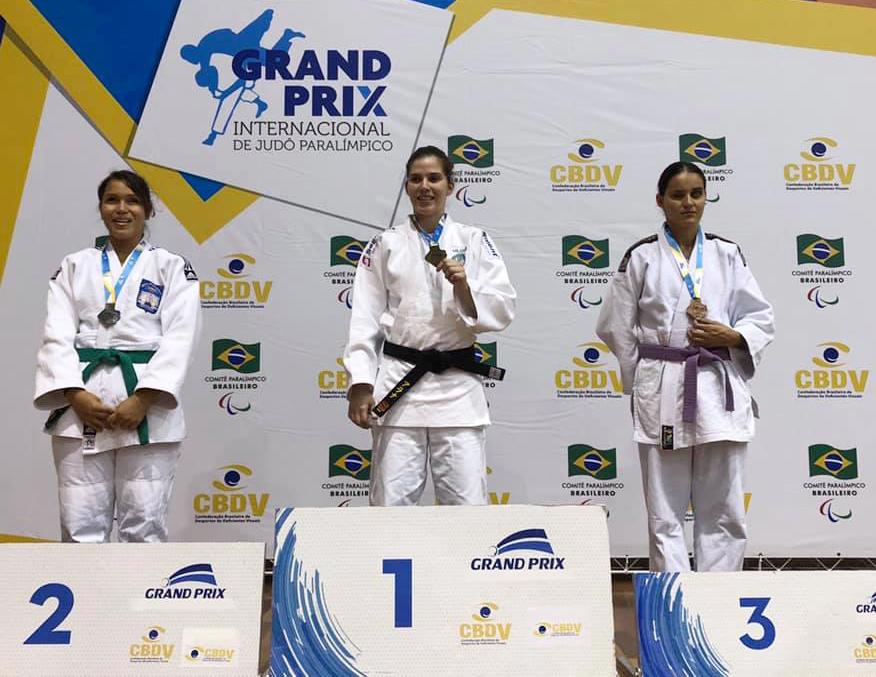 CBDV/Divulgação _ Alana reencontrou adversárias da edição de 2018 do Grand Prix na disputa deste ano