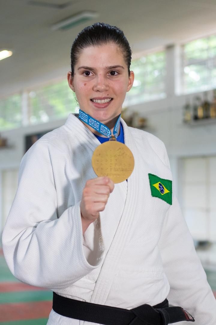 Danilo M. Yoshioka _ Alana foi a 1ª brasileira a faturar o ouro no Mundial de Judô Paralímpico