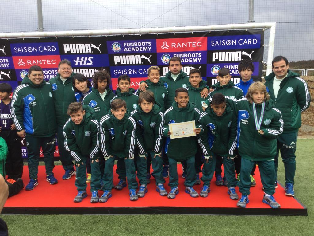 Divulgação_Os garotos ficaram com a 3ª colocação da Copa Toreros, torneio disputado no Japão no ano passado