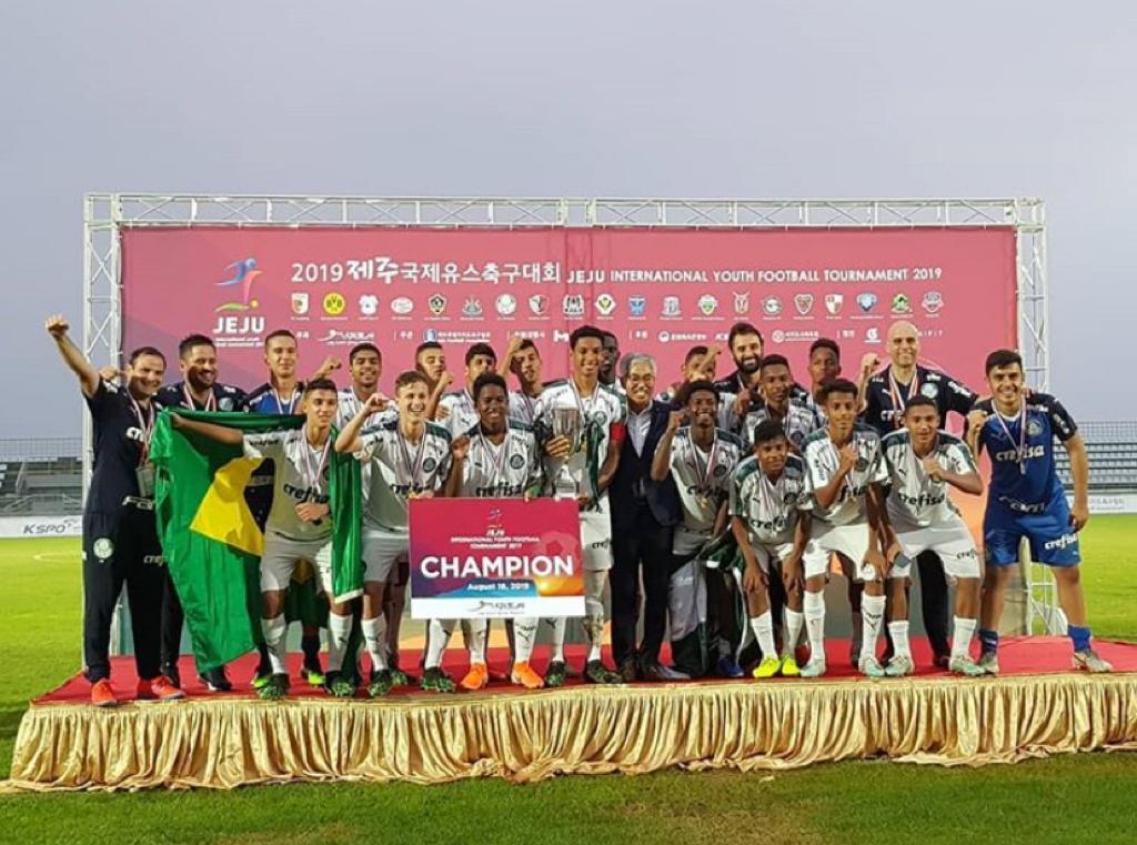 Divulgação_O título veio contra o Seongnam FC (vitória por 2 a 1) após golear o Borussia Dortmund na semifinal (4 a 0)