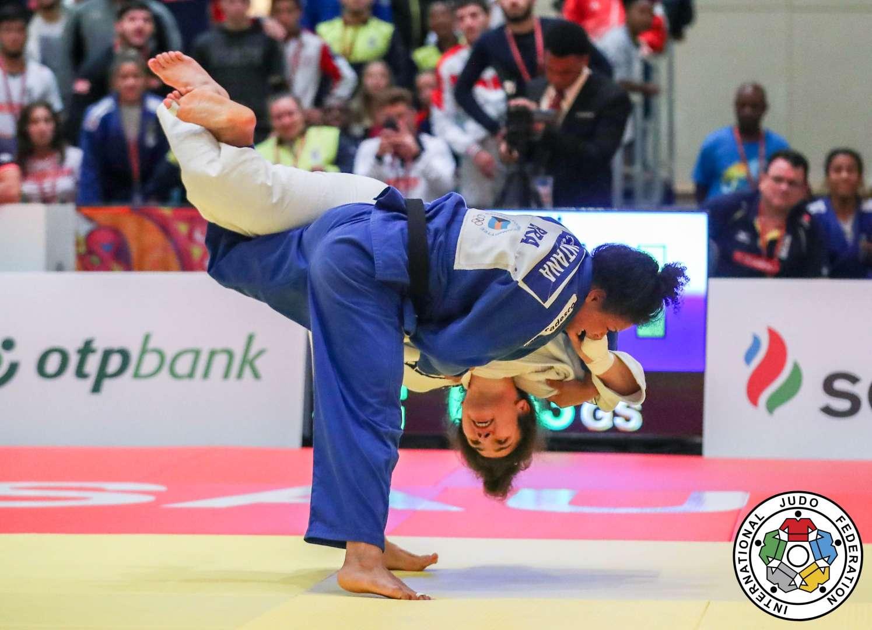 Marina Mayorova/IJF.org _ Ellen (azul) derrotou nas quartas da disputa por equipes a russa Madina Taimazova