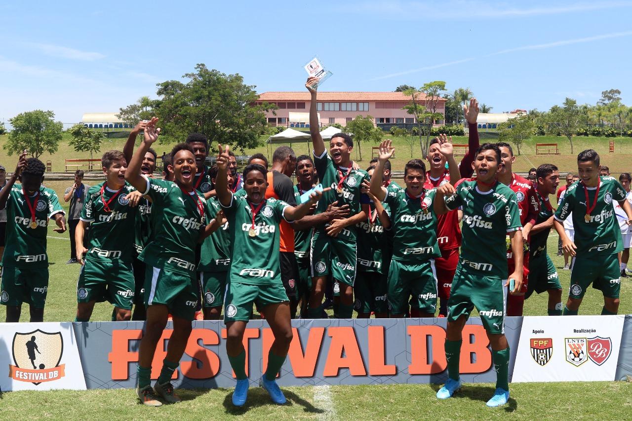 Divulgação _ O time Sub-14 do Verdão é comandado pelo técnico Christian Tudisco