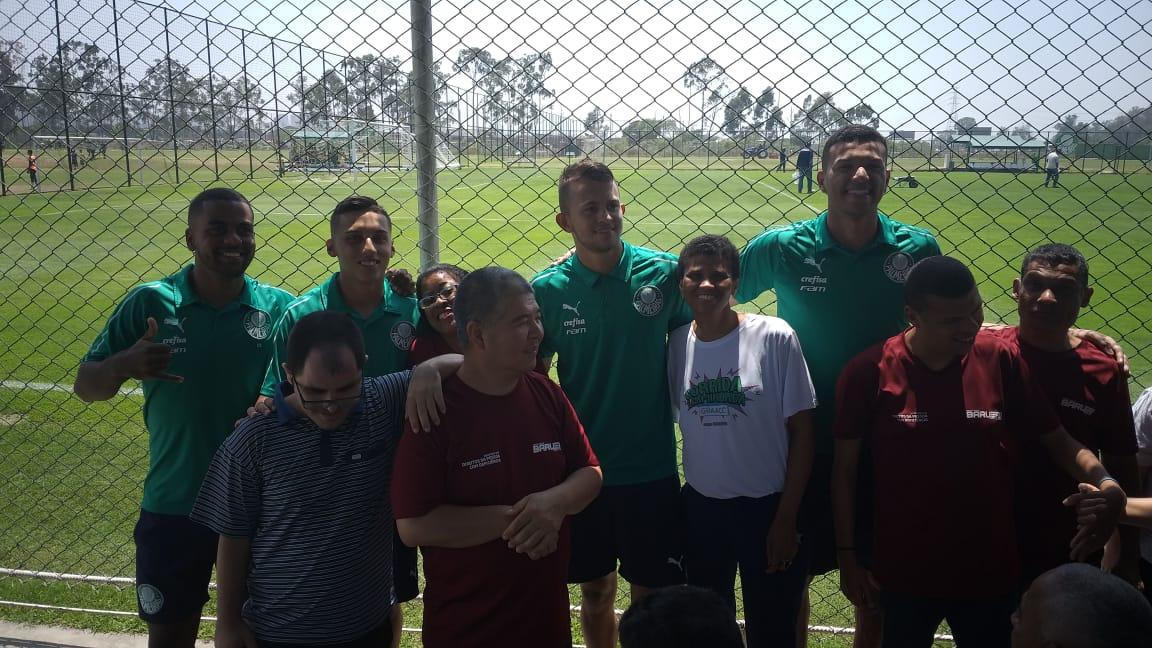 Divulgação_Cerca de 35 convidados da SDPD visitaram a Academia de Futebol 2