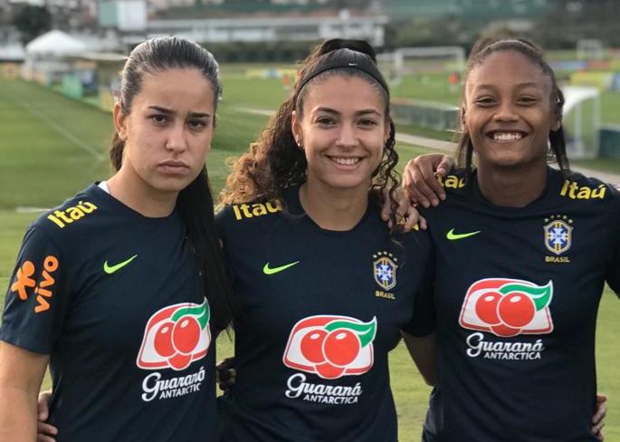 Divulgação _ Karla (esq.), Angelina e Ary (dir.) estarão juntas no elenco alviverde em 2020