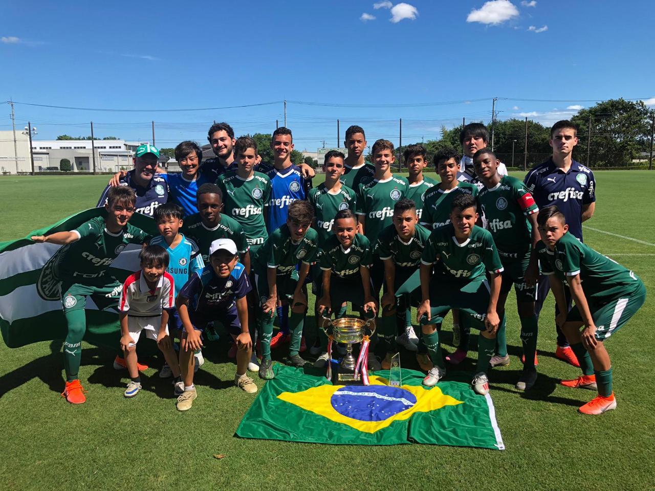 Divulgação_O Sub-13 alviverde venceu a Mito HollyHock Cup pelo segundo ano consecutivo