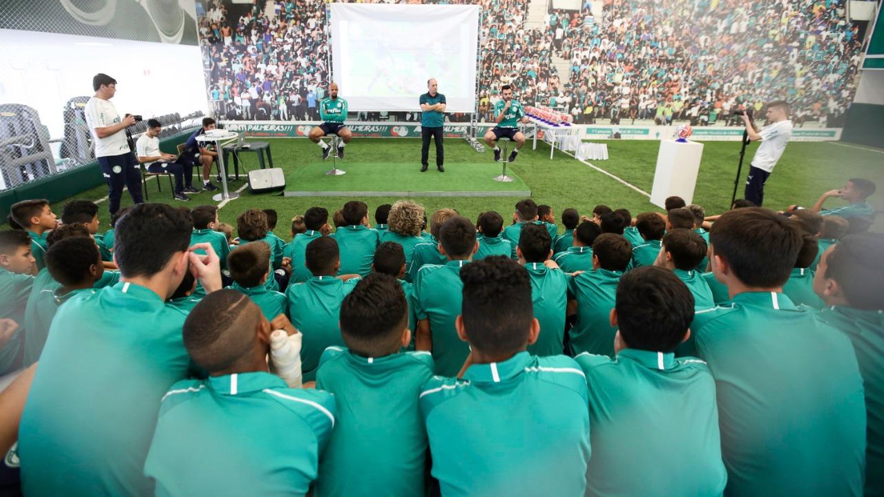 Fabio Menotti/Ag. Palmeiras/Divulgação_Os volantes do Verdão falaram sobre o começo de suas carreiras para as categorias Sub-11, Sub-12 e Sub-14