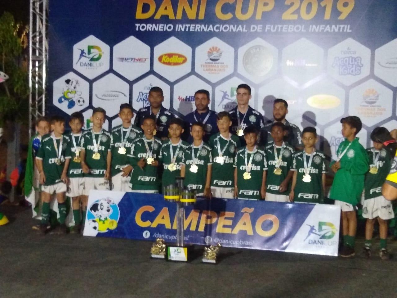 Divulgação_O Sub-10 alviverde goleou na decisão e sobrou nos números do torneio