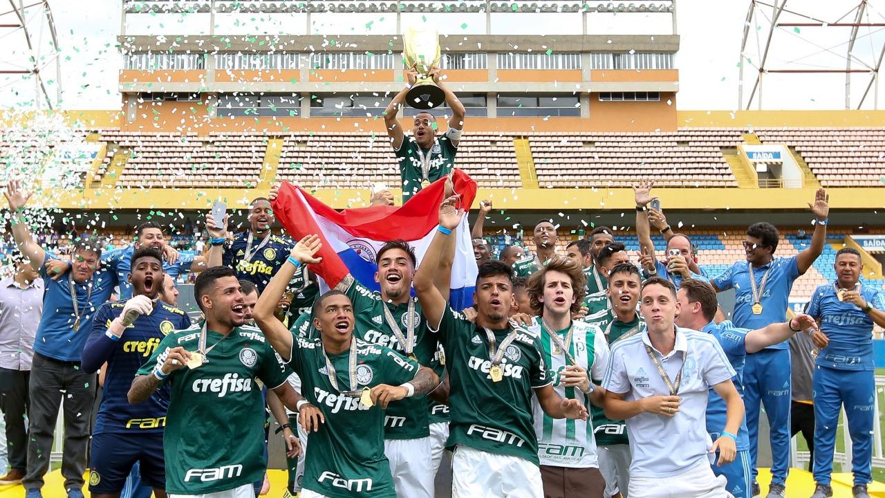 Fabio Menotti/Ag. Palmeiras/Divulgação_O Sub-20 palestrino levantou a taça de campeão paulista pelo segundo ano consecutivo