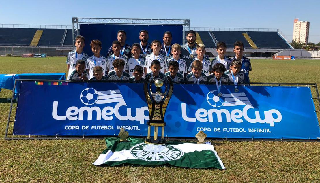 Divulgação_A Leme Cup conquistada pelo Sub-11 alviverde neste domingo é o 23º título da base nesta temporada
