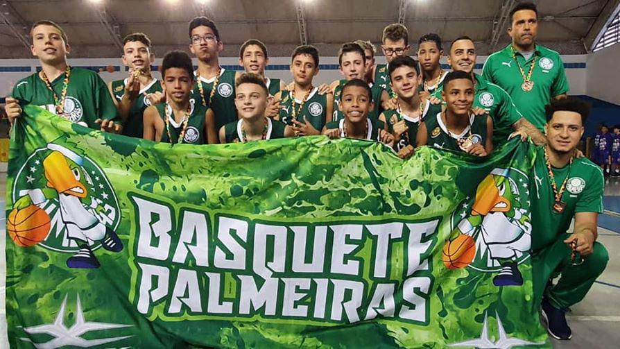 Divulgação _ Os garotos do Sub-12 do Palmeiras venceram a Copa Sul-Americana neste ano