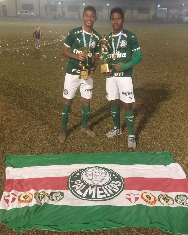 Divulgação_Luis Guilherme (à esquerda) e Endrick faturaram prêmios individuais