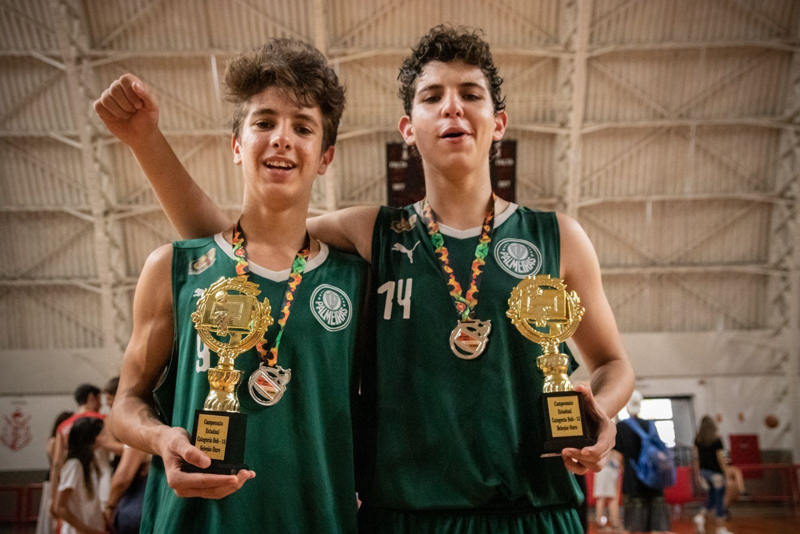 Caio Carlucci/Divulgação _ O armador Vinicius e o pivô Enzo foram escolhidos para a seleção do Estadual Sub-13