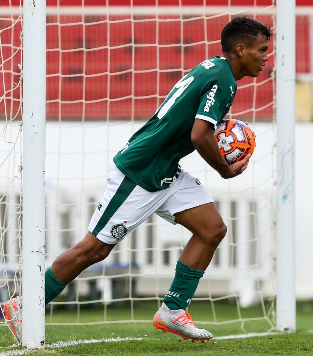 Fabio Menotti/Ag Palmeiras/Divulgação_Gabriel Veron fez 2 dos 3 gols do Verdão